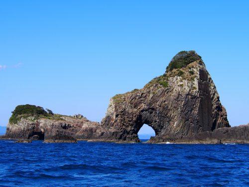 枇榔島 約1500万年前の火山でできた柱状節理ー逆さまハート